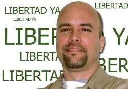 Conversa Gerardo Hernández con familia camagüeyana