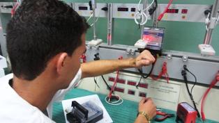Acreditan laboratorio de Empresa Eléctrica de Camagüey para ejercer metrología legal