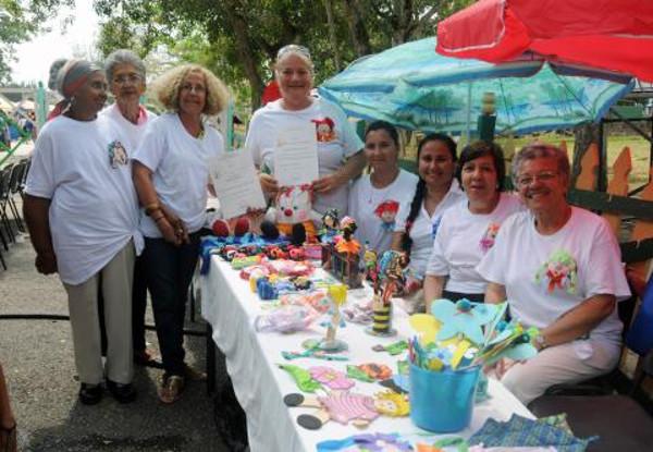 Entregan Premio Memoria Viva a proyecto comunitario camagüeyano