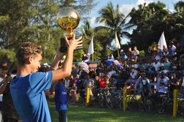 Jovencito camagüeyano lidera equipo Cuba de Fútbol sub 15 en EE.UU.