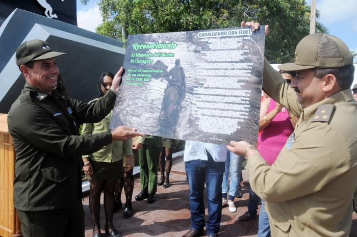 Reconocen en Camagüey a oficiales y trabajadores civiles del Ministerio del Interior