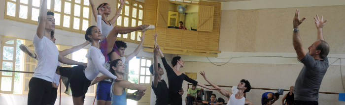 Alberto Méndez back in the Camagüey Ballet