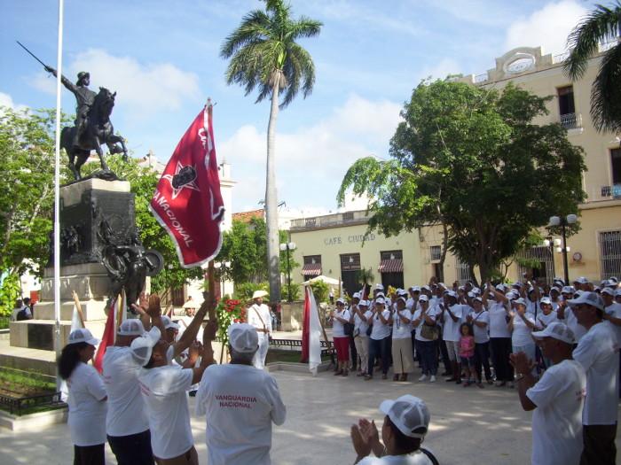 Vanguardia Nacional colectivo camagüeyano de la empresa DOVEL