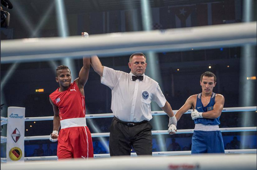 Camagüeyano Argilagos abre senda plateada de Cuba en Mundial de Boxeo