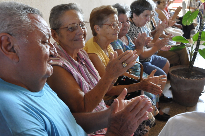 Cuba carries out a survey on population aging