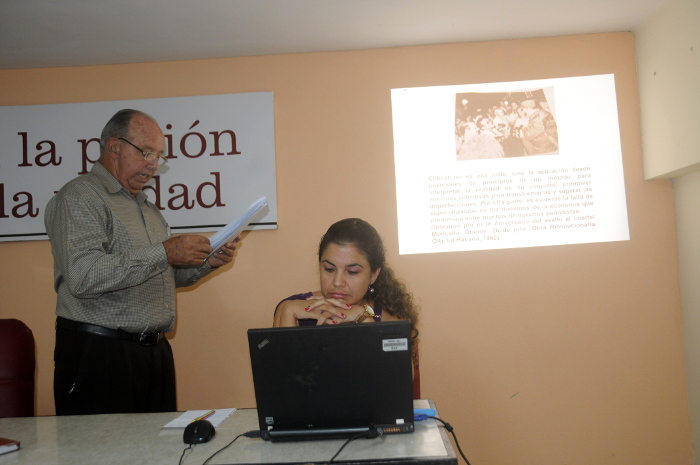 In Camagüey Colloquium of the Press Written