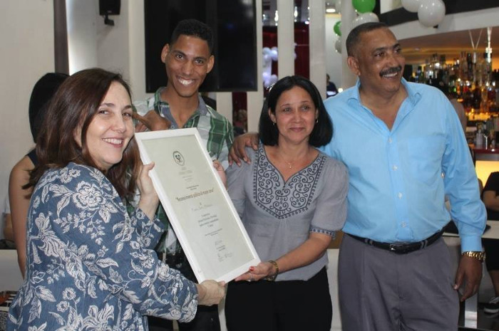 Prize for the love of a family of Camagüey