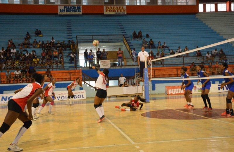 Reanuda sus acciones en Camagüey el Campeonato Nacional de Voleibol (f)