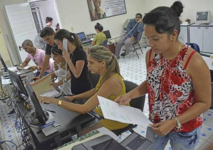 Cuba: más de 17 mil estudiantes colaborarán en próximos comicios