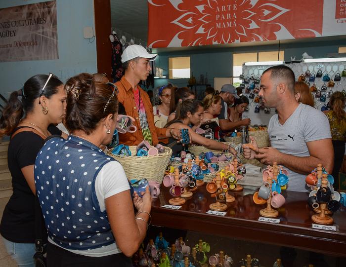 En Camagüey, artesanía de varias provincias cubanas para Mamá