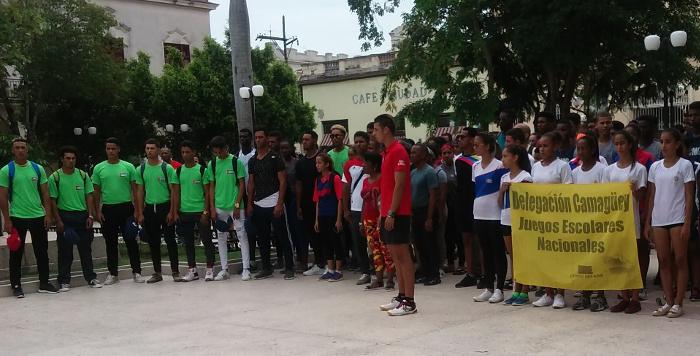 Abanderan a estudiantes atletas camagüeyanos de cara a Juegos Nacionales