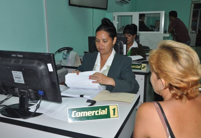 Camagüey: Hurricane victims receive 42 million pesos in low interest loans