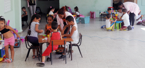 Priority in Camagüey to the formation of children's daycare educators