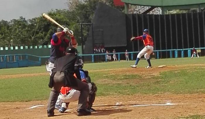 Semifinal del Béisbol sub-23 cubano llega a Camagüey
