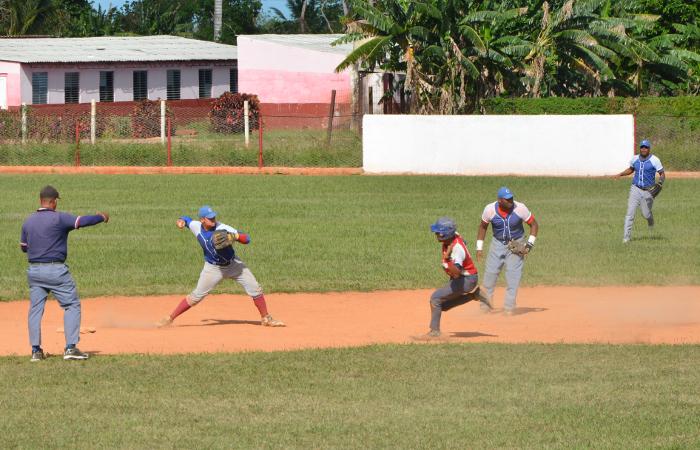 Esmeralda vuelve a coronarse en torneo camagüeyano de Béisbol