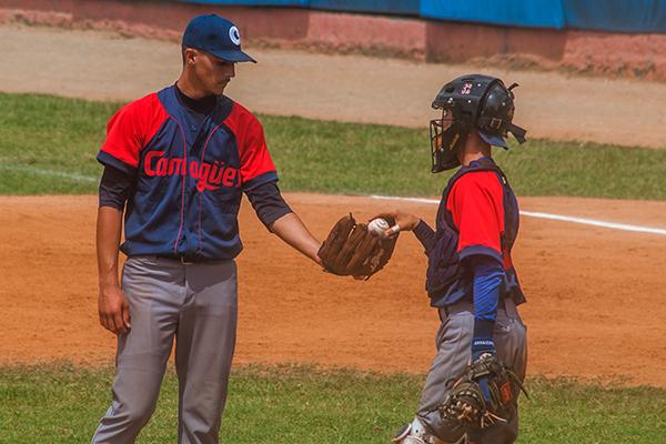 Camagüeyano Contreras logra primera victoria en torneos cubanos de Béisbol