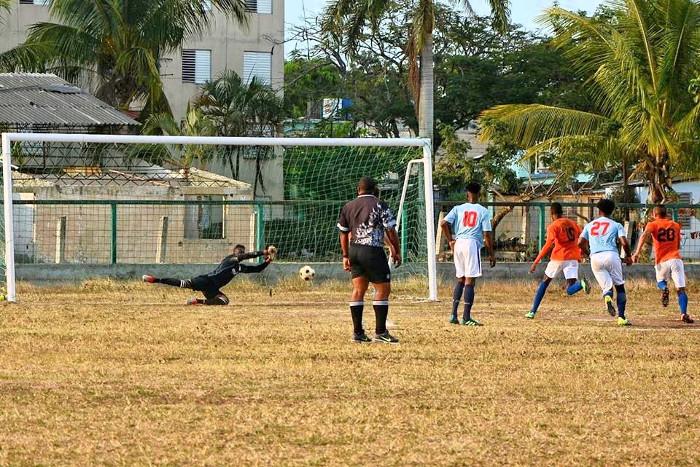 Camagüey contra el segundo de la zona oriental del Fútbol cubano