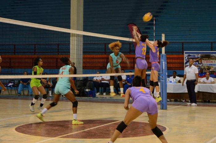 Camagüeyanas quedaron terceras en torneo cubano de Voleibol