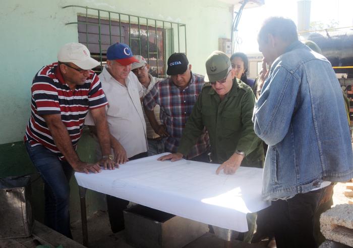 Destaca Ramón Espinosa Martín avances de Camagüey en programa de la vivienda