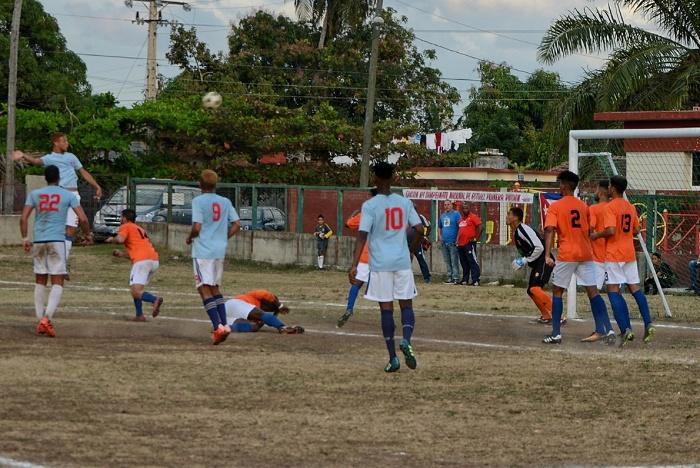 Camagüey visita a Sancti Spíritus en torneo cubano de Fútbol