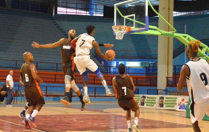 Tigres camagüeyanos barren a Matanzas en Liga Superior de Baloncesto