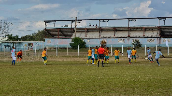 Camagüey recibe a Granma en torneo cubano de Fútbol