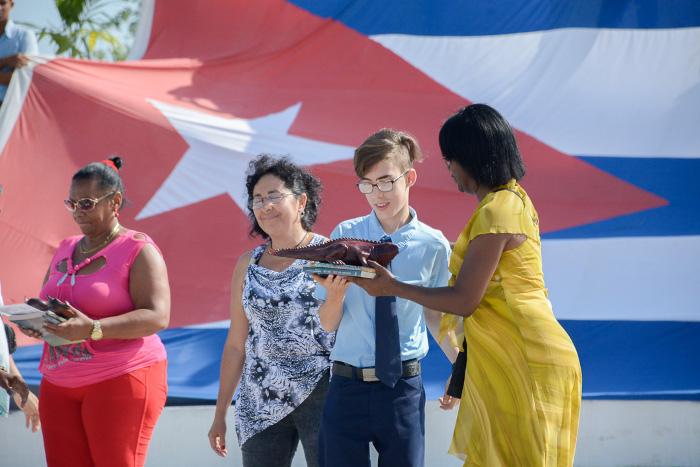 Reciben el título de bachiller más de 480 jóvenes camagüeyanos (+ Fotos)