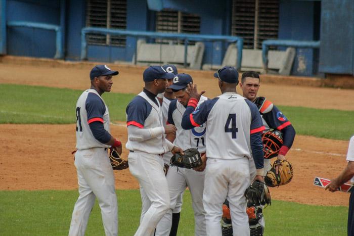 Definen hoy desempate Camagüey y Guantánamo en campeonato cubano de Béisbol