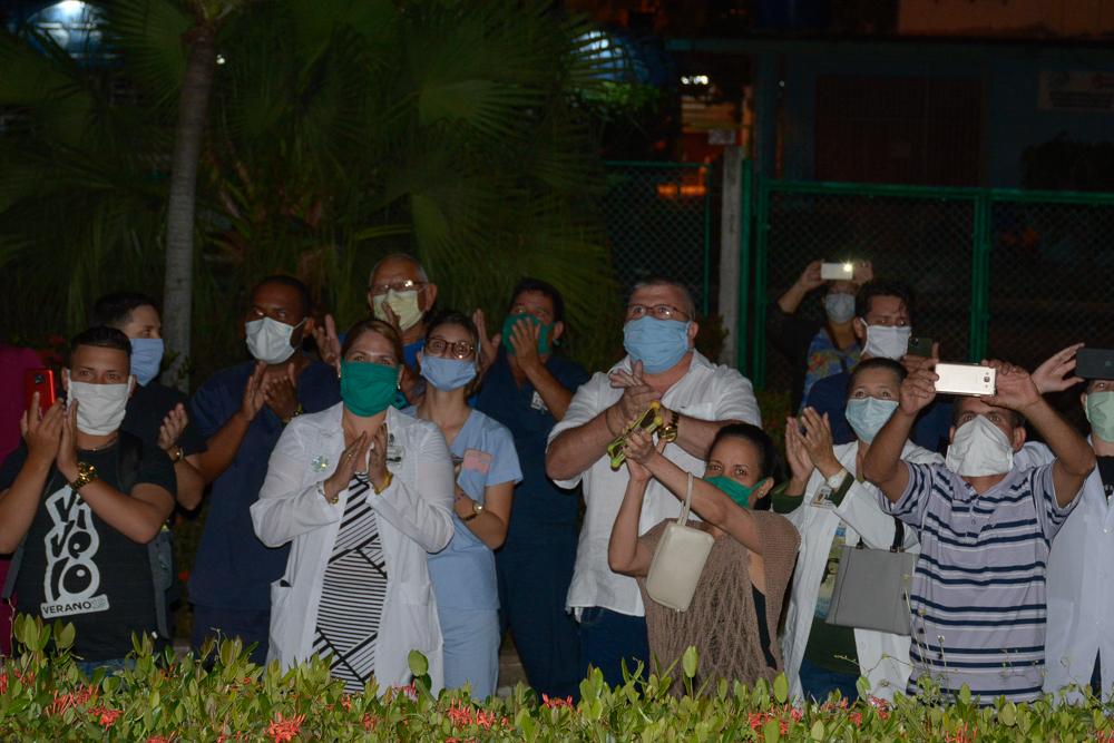 En Camagüey, retumban los aplausos por la vida (+ Foto y Video)
