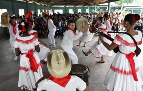 Exposición en Camagüey por el futuro de la sociedad